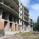 Начался демонтаж самовольного недостроя в центре Зеленогорска