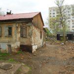 Из руин в долгострой: куда переселят жителей аварийных домов?